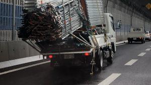 京葉道路でレンタルトラックが過積載で渋滞まさかの2車線規制