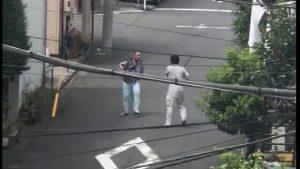 神奈川県川崎市ではオジさん同士のバールvs包丁の喧嘩が勃発